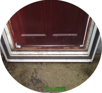 Flood_Traps_as_seen_from_dry_indoor_side_of_door_while_on_test_330_x_300