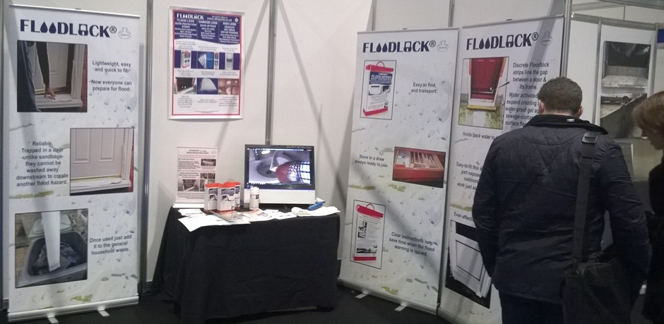 Image_of_Allups_Stand_at_the_Flood_Expo_in_Dec_2014_being_visited